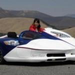 На трехколесном со скоростью 200 км/ч
