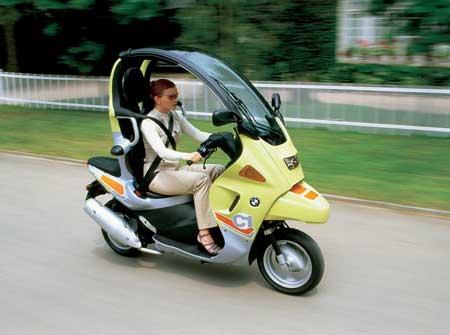 Модель скутера BMW C1 образца 2001 года