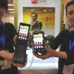 Samsung выпустил смартфон с двумя экранами