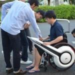 Инвалидное кресло-электромобиль от WHILL