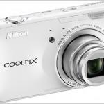 Nikon представила фотоаппарат Coolpix S800c п/у Android