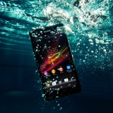 Sony Xperia ZR — смартфон защищенный от воды и пыли