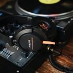 SHL3300 — новые диджейские наушники от Philips