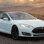 Tesla Model S Insane Mode — динамика поражает