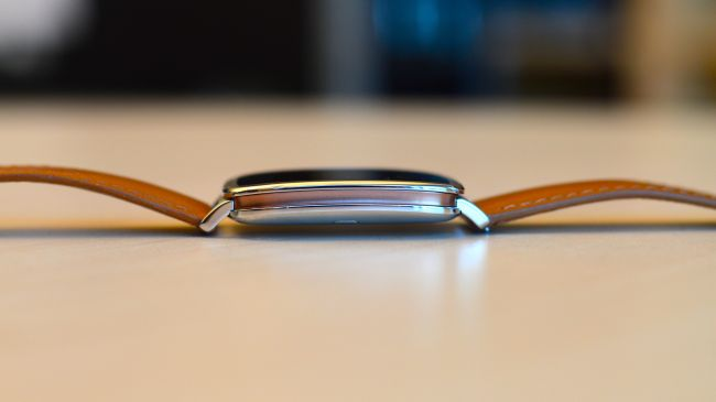 Asus ZenWatch_side-650-80