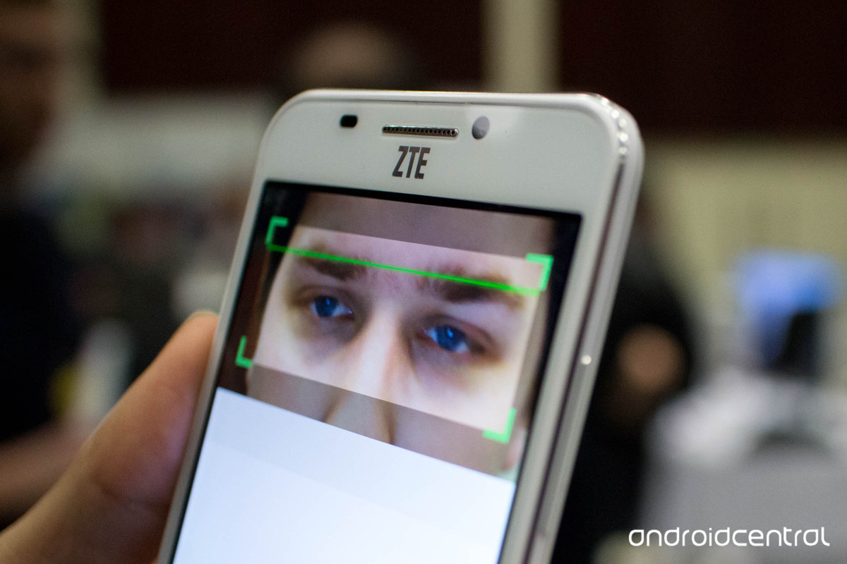 zte-grand-s3-eye