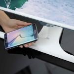 Samsung выпустила первый в мире монитор с беспроводной зарядкой