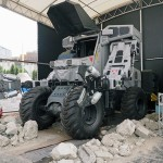 Super Guzzilla — робот для разрушения зданий и разбора завалов