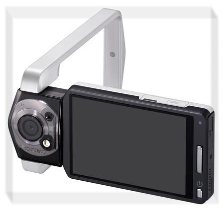 Фотокамера Casio TRYX обладает революционным форм-фактором