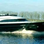 Новенькая яхта от голландцев