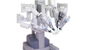 Роботы отныне проводят операции!