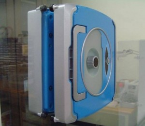 Так выглядит робот-мойщик окон Piro Windoro